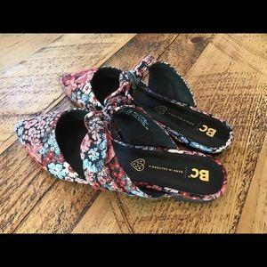 BC footwear women's mule, black floral fabric